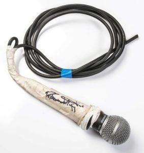 Roger_Daltrwy_Microphone[1]